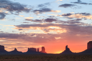 © Guoqiangxue | Dreamstime.com - Monument Valley Navajo Tribal Park At Sunrise Photo